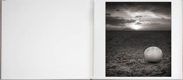 Nick Brandt – On This Earth, A Shadow Falls (inside 9)